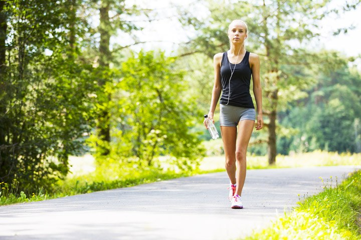 How to choose the best clothes for walking?