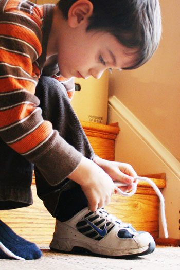 how-to-teach-your-child-how-to-tie-your-shoes