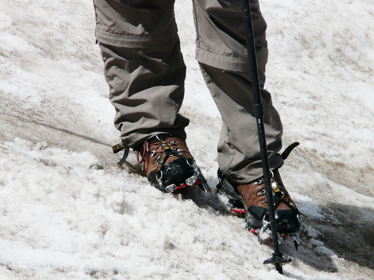What Shoes To Wear In Snow? 4